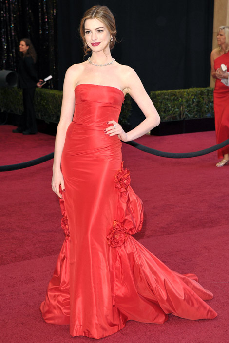 anne hathaway BEST&WORST OF THE OSCARS 2011