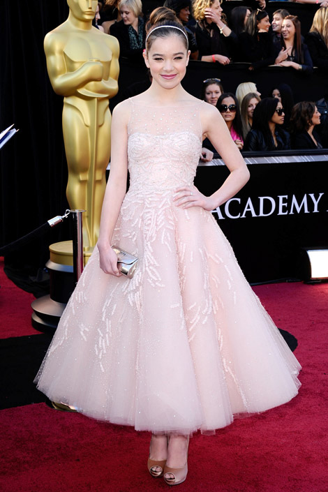 hailee BEST&WORST OF THE OSCARS 2011